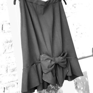 Betsy Johnson pencil skirt with kick and bow